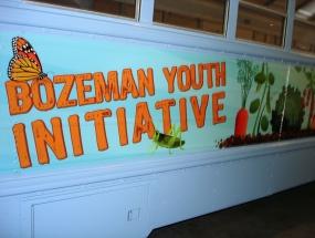 bzn-youth-initiative_bus-gr