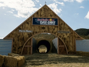 DitD_BLutesPhoto_Barn_WebReady